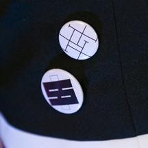 ダンガンロンパ 希望の学園と絶望の高校生 江ノ島盾子 徽章/バッジ コスプレ道具